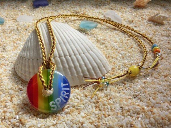 2.8 Rainbow ネックレス(イエロー×ブラウンストラップ)(※水色・黄・オレンジのビーズはクリアタイプに変更)