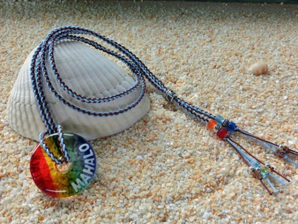 2.8 Sea Rainbow ネックレス(水色×ブラウンストラップ)